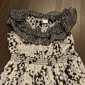 Daytrip Tops - Black and white floral tank. Worn once. Size S
